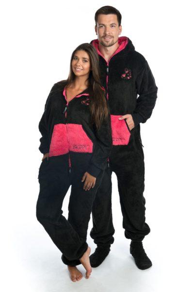 Černé dupačky pro dospělé s růžovou kapsou